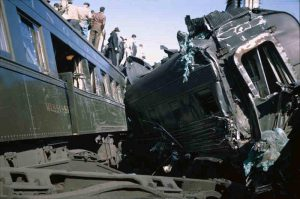 naperville-il-train-wreck-4-26-1946